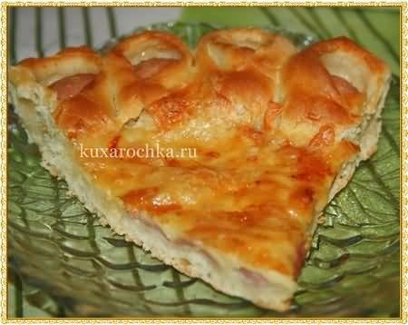 Пирог-пицца с сосисками и сыром