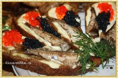 Бутерброды со шпротами и икрой