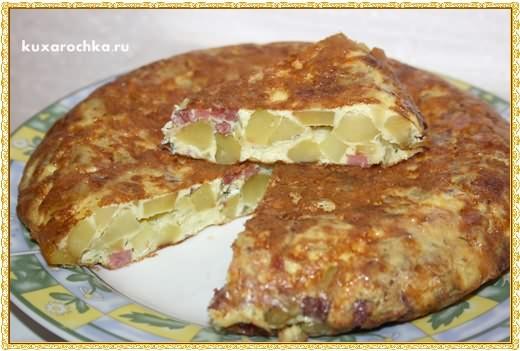 Картофельная тортилья с колбасой