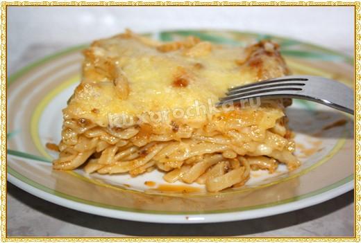 Запеканка из спагетти с фаршем и со сливочным сыром