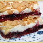 Пирог с брусникой и безе