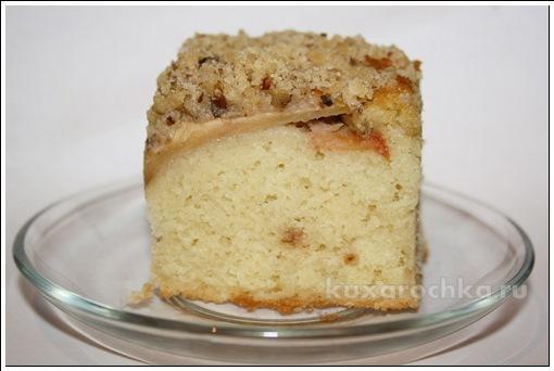 Пирог с яблоками, и штрейзелем с грецкими орехами